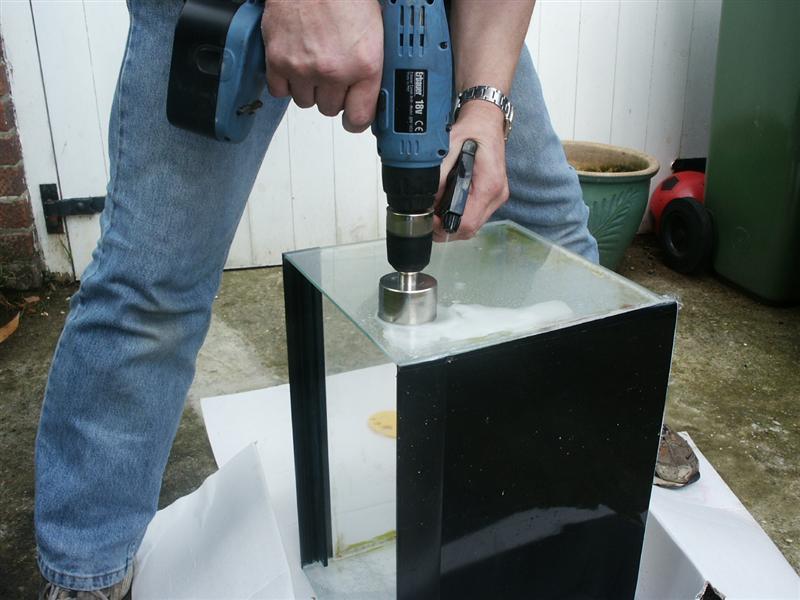 Как просверлить закаленное стекло?